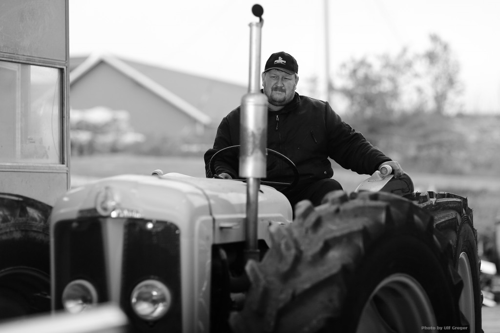 456-fordson-classic-tractor-wallpaper-Ulf-Greger-Canon-5D